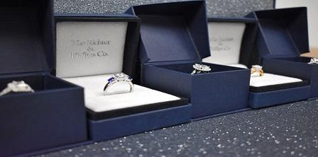 """4 Reasons Why You Should Try on Engagement Rings Before Picking """"the One"""""""